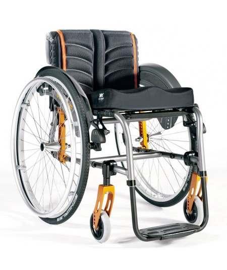 SUNRISE Quickie Life R silla de ruedas en aluminio con reposapiés fijos. Rígida