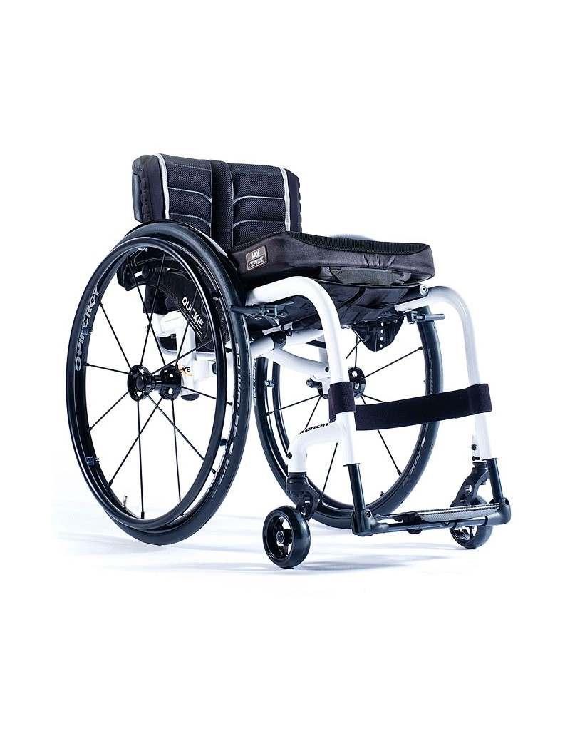 Silla de ruedas en aluminio SUNRISE Quickie Xenon 2 reposapiés fijos
