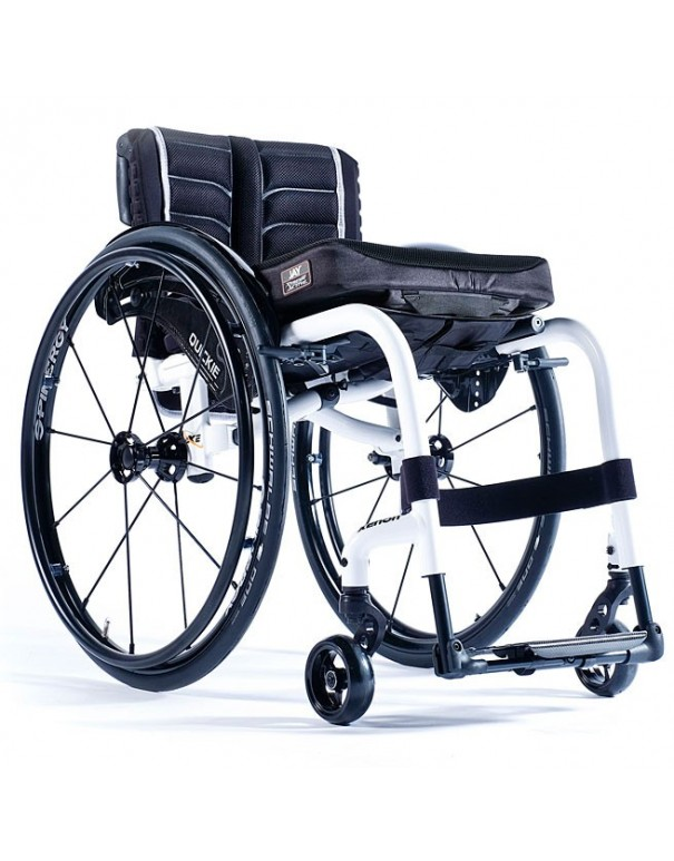 SUNRISE Quickie Xenon 2 silla de ruedas en aluminio con reposapiés fijos